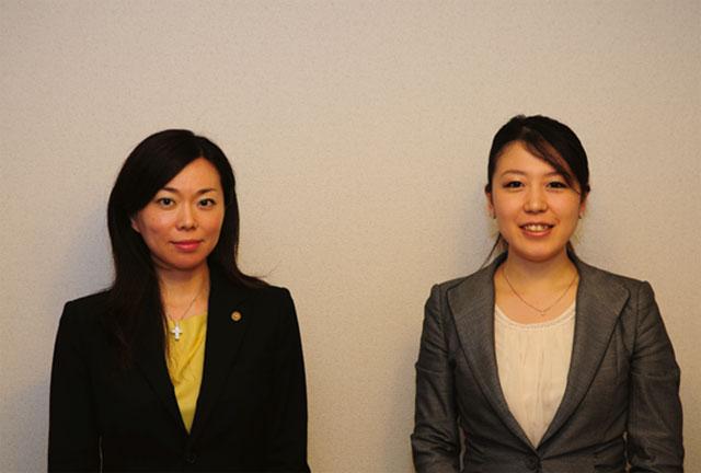 加藤さん(写真左)と、サイト構築を担当したGENOVAの坂下彩花さん