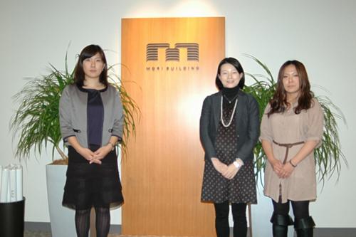 広報室の田澤さん、森澤さん、楢崎さん