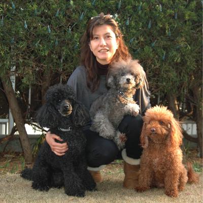 島津さんと3匹の愛犬たち