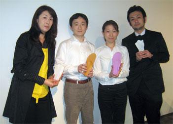 お話を伺った内田さん、宮地さんご夫妻、春明さん(左から)