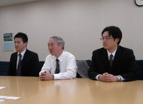 """左から石崎さん、長塚教授、田村さん"""""""